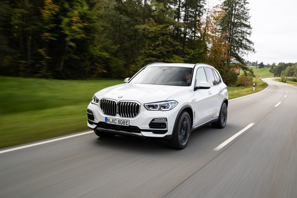 BMW X5 front 3/4 view