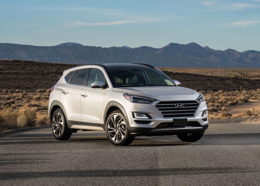 Hyundai Tucson front 3/4 view