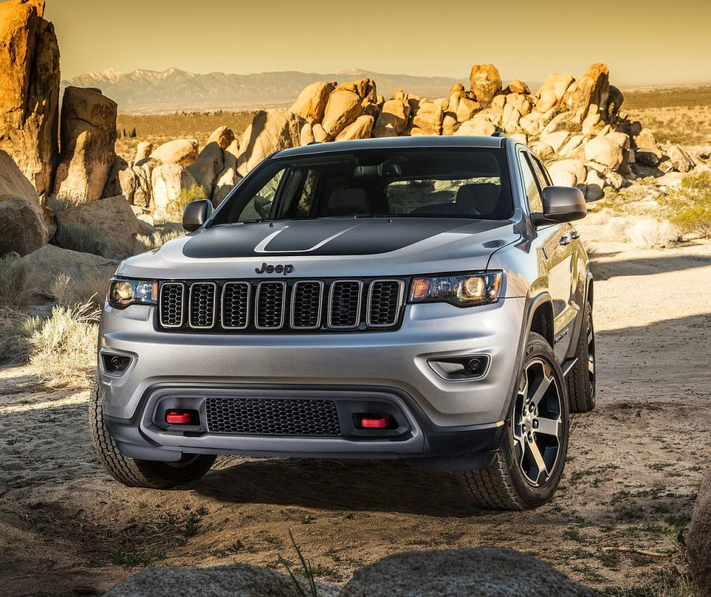 Jeep Grand Cherokee front view